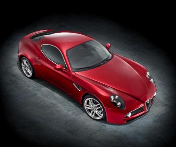 <h5>Alfa Romeo 8C</h5>