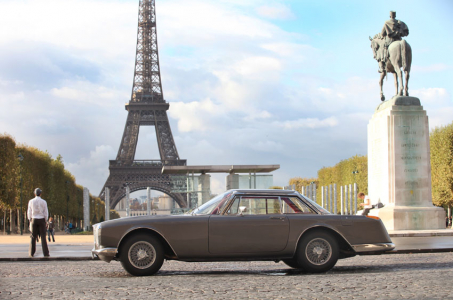 <h5>Facel Vega in Paris</h5>