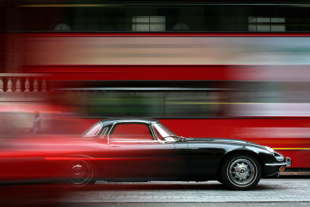 <h5>Jaguar E type V12 in London</h5>
