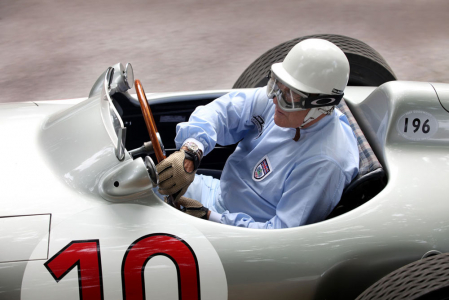 <h5>Sir Stirling Moss in Mercedes W196</h5>