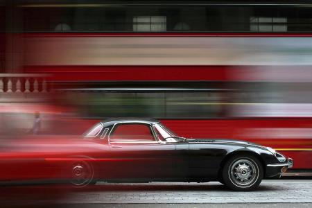 <h5>Jaguar E Type V12</h5>