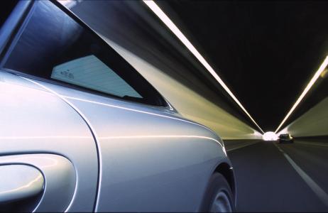 <h5>Porsche 911 tunnel</h5>