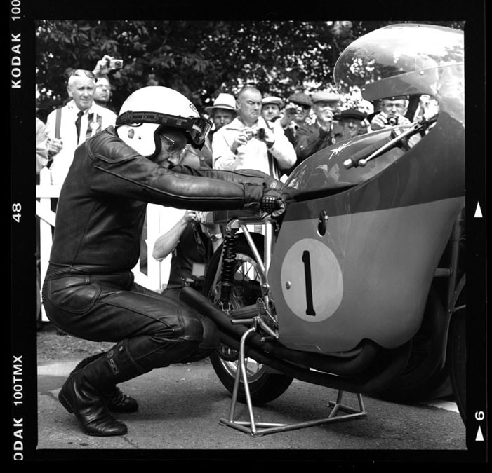 surtees-mv-w